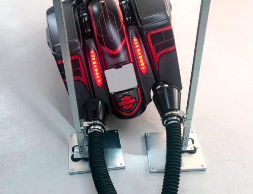 L'adattatore senza contatto per l'aspirazione gas di scarico dai motoveicoli